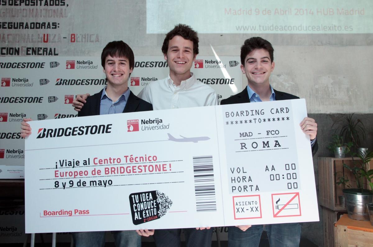 """Javier Pardo, Ignacio Compadre y Diego Castro, alumnos ganadores de la segunda edición de """"Tu idea conduce al éxito"""""""