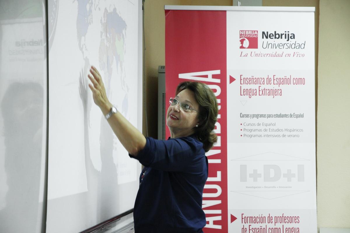 La profesora Marta Baralo impartió la lección magistral inaugural del Máster en Lingüística Aplicada a la Enseñanza de ELE del curso 2014/15