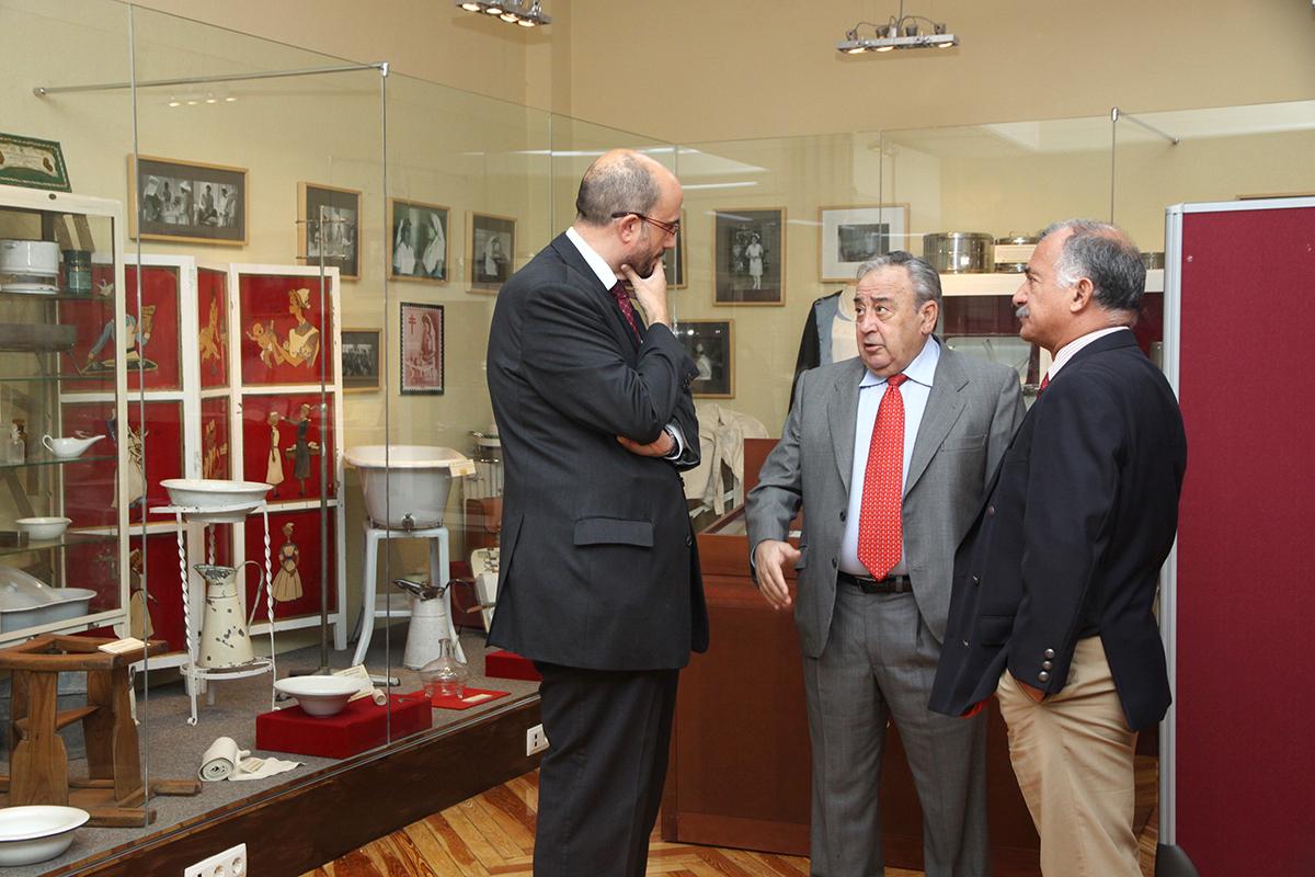 Visita por el museo del Colegio de Enfermería de Madrid