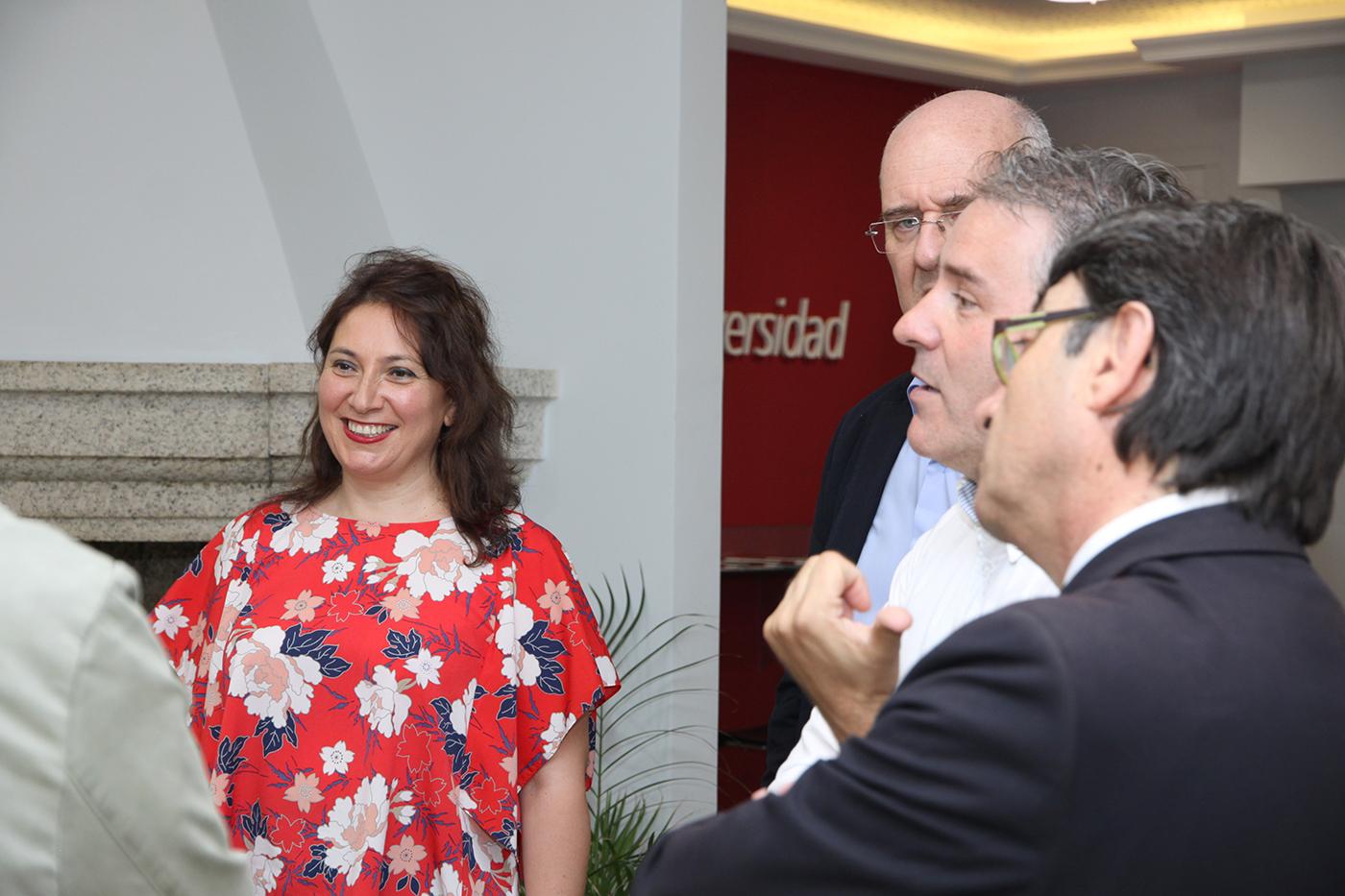 ... Autónoma de Barcelona y miembro del Grupo Libertad, Seguridad y  Transformaciones del Estado (LSTE), y David Odalric de Caixal i Mata,  director General ...