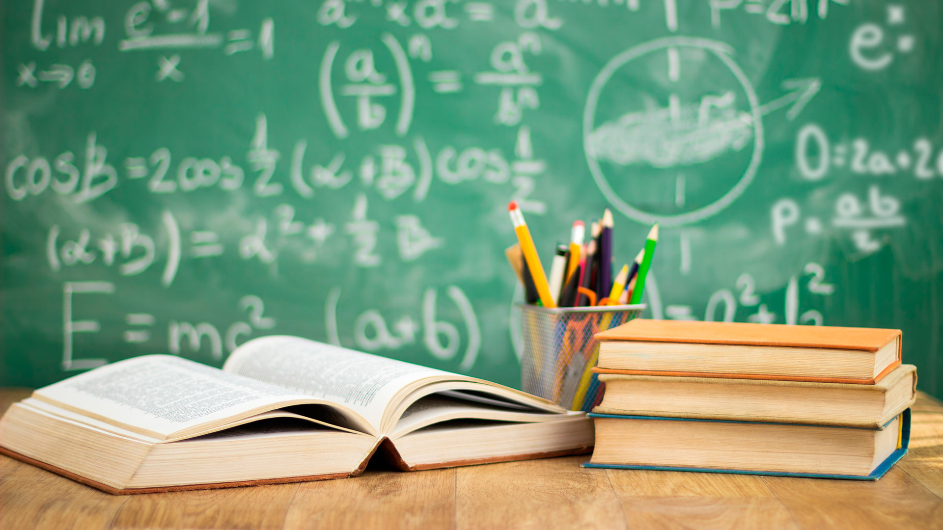 Debate Sobre El Sistema Educativo Con El Consejero De