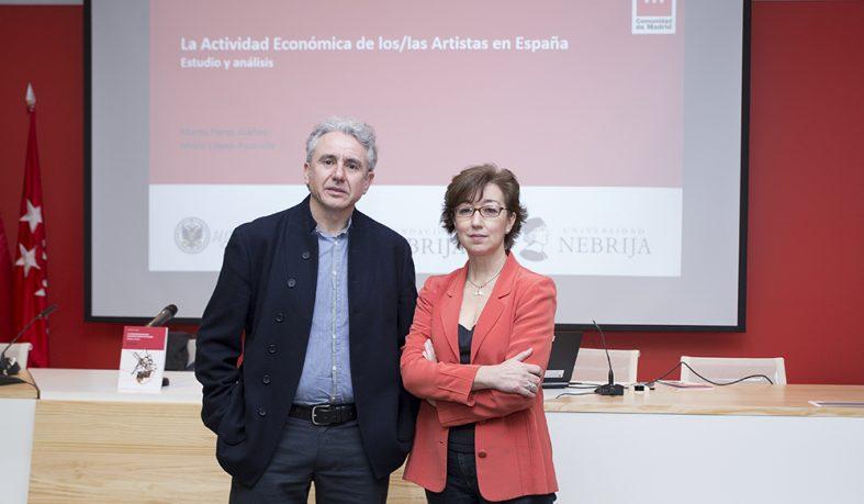 Marta Pérez Ibáñez, profesora de la Universidad Nebrija, e Isidro López Aparicio, profesor de la Universidad de Granada.