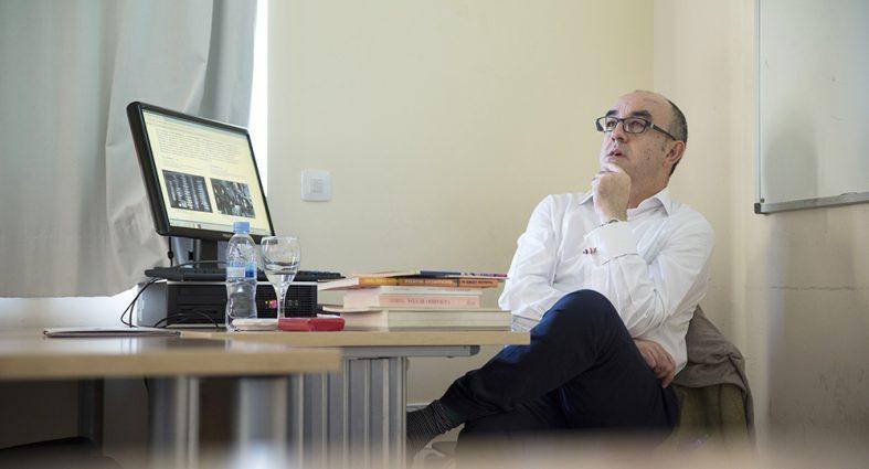 El teórico y critico de arte Alfonso de la Torre visita la Universidad Nebrija