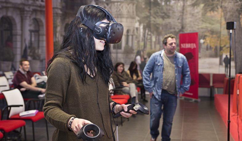 Miguel Bollaín acerca la realidad virtual a los alumnos de Comunicación y Artes