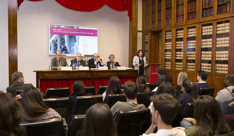 La política exterior en España, a debate en la Universidad Nebrija