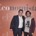 Rubén Esteller (Periodismo, 99), a la izquierda de la imagen, y Alfonso de Castañeda (Periodismo y Comunicación Audiovisual, 2018)