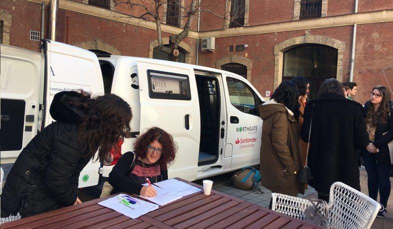 Los participantes en el Aula de Español conocen el Living Lab Nebrija