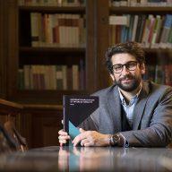 """El profesor Geoffrey Ditta publica su libro """"Internationalisation et interculturalité""""..."""