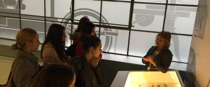 Visita a la Imprenta Municipal de Madrid de los estudiantes de Diseño digital y multimedia